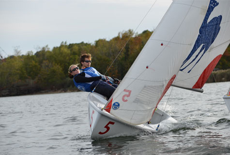 The Sailing Team practicing on the Thames River.
