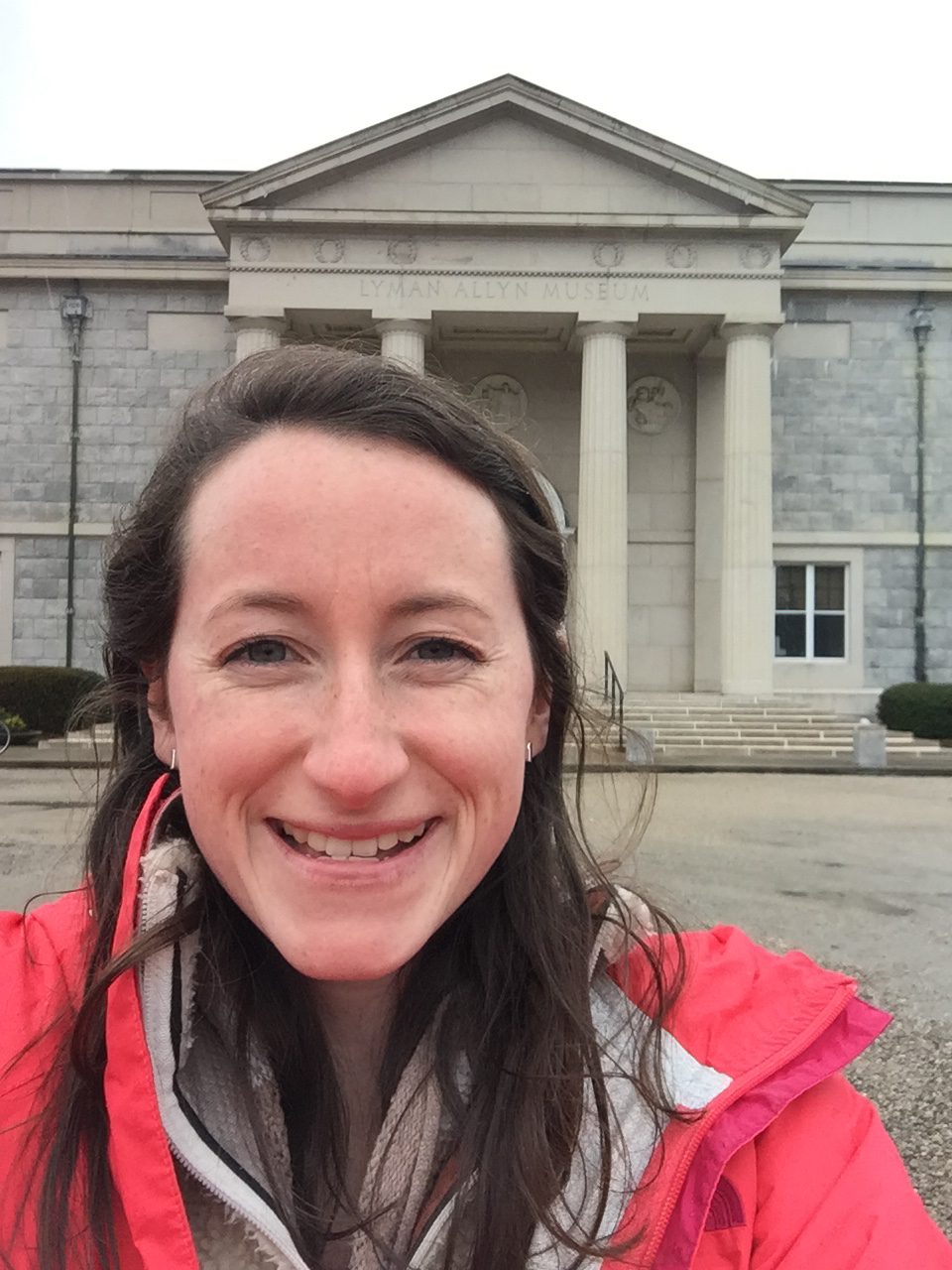 Avery takes a selfie in front of the Lyman Allyan Art Museum