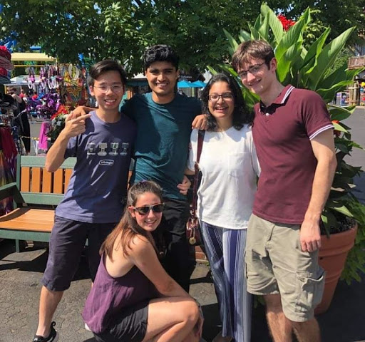 Smairh and her four friend pose for a photo at Six Flags