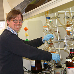 Timo Ovaska, the Hans and Ella McCollum '21 Vahlteich Professor of Chemistry at Connecticut College, at work in his lab.
