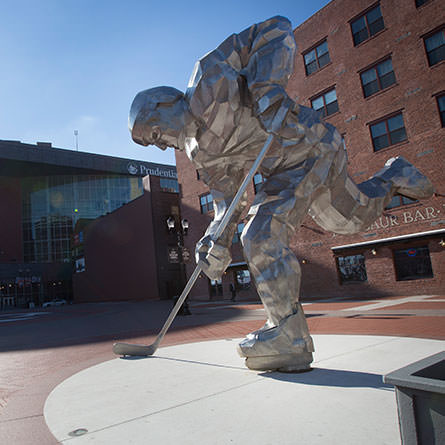 A hockey statue by Jon Krawczyk '92 outside the Prudential Center