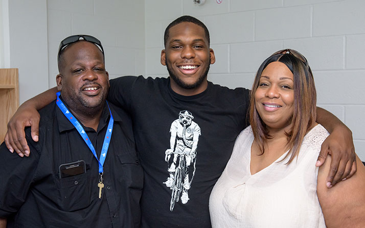 Image 4:   <img 