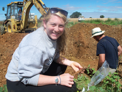 Katie Mullaley '12 works at an excavation in Joarilla de las Matas.
