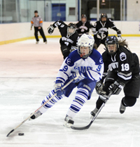 Erin Davey ´10 has been named the NESCAC Women´s Hockey Player of the Week.