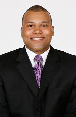 Brian Wilson has been named women´s basketball head coach at Connecticut College.