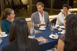 Prior to the talk, Lauf (center) had dinner with a group of students.