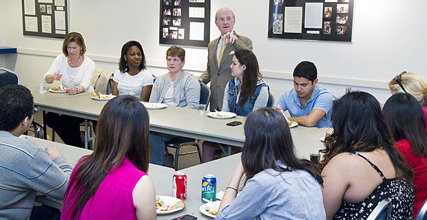 Science leaders have lunch with President Higdon.