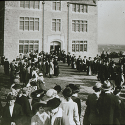 Opening day at Connecticut College, Oct. 9, 1915. Photo courtesy of the Linda Lear Center for Special Collections and Archives, Connecticut College.