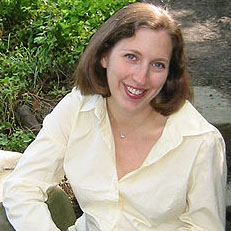 Photo of novelist Dara Horn.