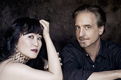 Photo of musicians David Finckel and Wu Han